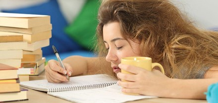 College students are suffering more and more from academic burnout. Image courtesy of Your Teen Magazine.